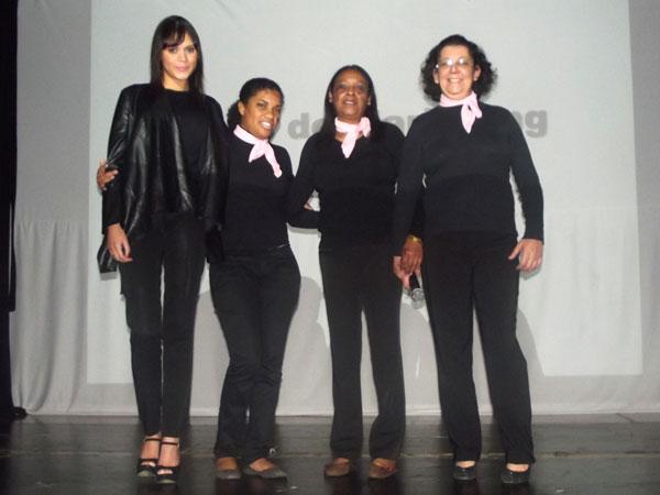 Equipe vencedora composta por Ellen Almeida, Miriam Muller, Rosana de Souza e Evilyn Keila