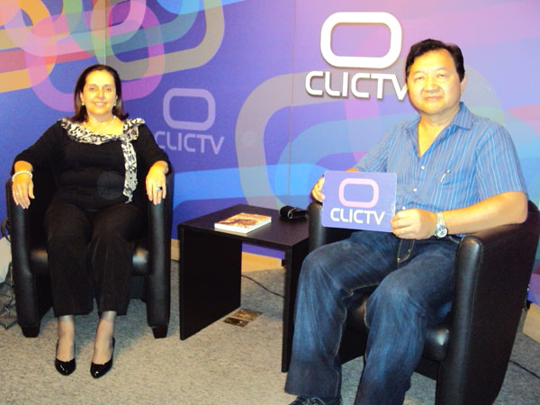 Miriam Garrido e Kendi no programa ClicTV do dia 26/10/2010